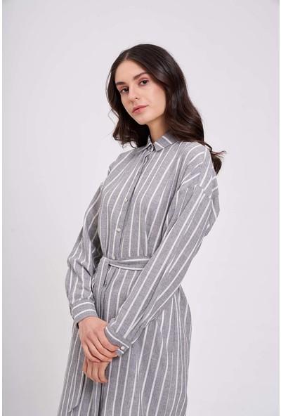 Mizalle Çizgili Keten Görünümlü Elbise