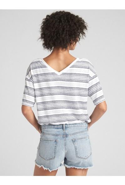 Gap Kısa Kollu Çizgili V Yaka T-Shirt