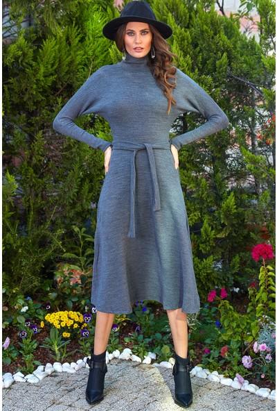 Ayakkabı Delisiyim Dik Yakalı Kemerli Gri Uzun Triko Elbise