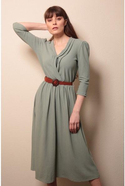 Reyon Kruvaze Yaka Kemerli Elbise Yeşil