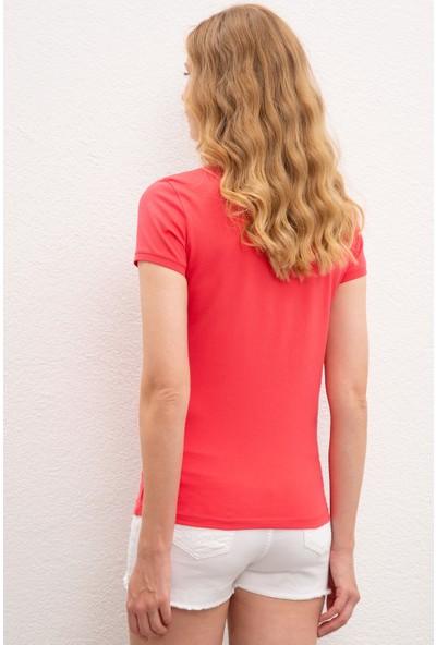 U.S. Polo Assn. Kadın T-Shirt 50222743-PB0012