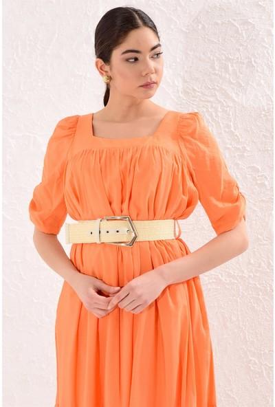 Setre Oranj Kare Yaka Kemerli Yarım Kol Diz Altı Boy Elbise