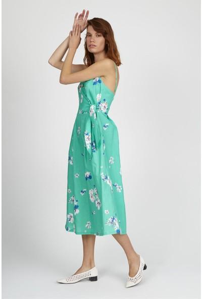 Setre Yeşil Ince Askılı Kuşaklı Bele Oturan Diz Altı Boy Floral Desen Elbise