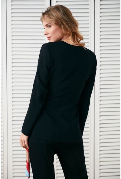 Setre Siyah Kontrast Kuşaklı Uzun Kol Bedene Oturan Ceket