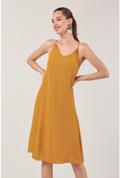Coral 1320 Askılı Krinkıl Elbise Hardal