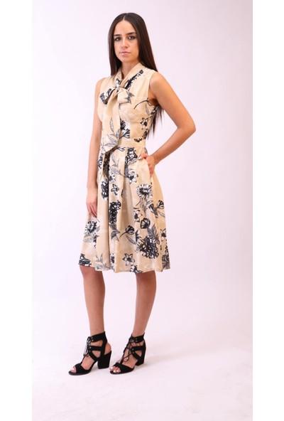 Aclassics Yakası Bağcıklı Çiçekli Pileli Elbise