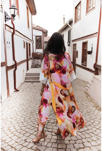 Yeşim Livaoğlu Pembe Düş Kimono