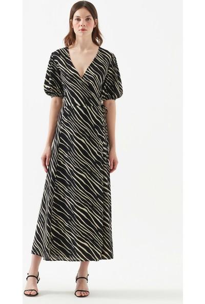 Mavi Zebra Desenli Siyah Anvelop Uzun Elbise