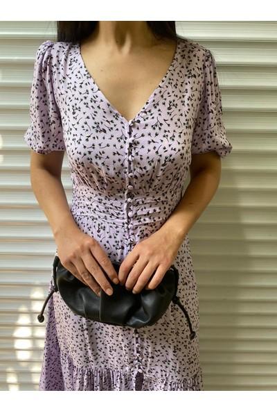 Seda Yalçın Atelier Lila Desenli Önü Düğmeli Beli Drapeli Elbise