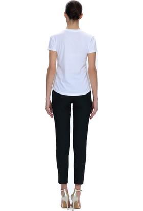 Demet Şener V Yaka Beyaz T-Shirt