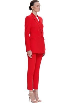 Demet Şener Kelebek Yaka Kırmızı Kruvaze Ceket