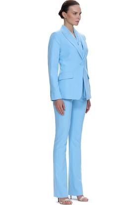 Demet Şener Açık Mavi Kelebek Yaka Tek Düğme Ceket