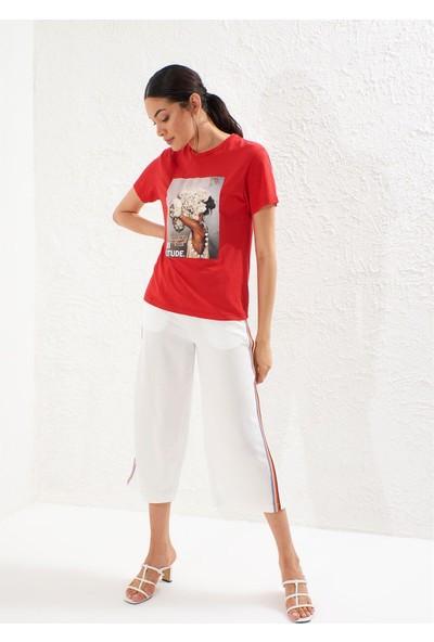 Setre Kırmızı Kısa Kol Bisiklet Yaka Baskılı T-Shirt
