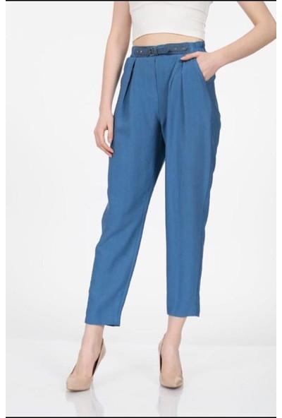 Vitrin Beli Lastikli Aksesuar Detaylı Pantolon