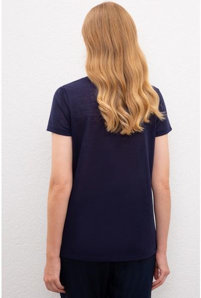 U.S. Polo Assn. Kadın Lacivert T-Shirt 50217704-Vr033