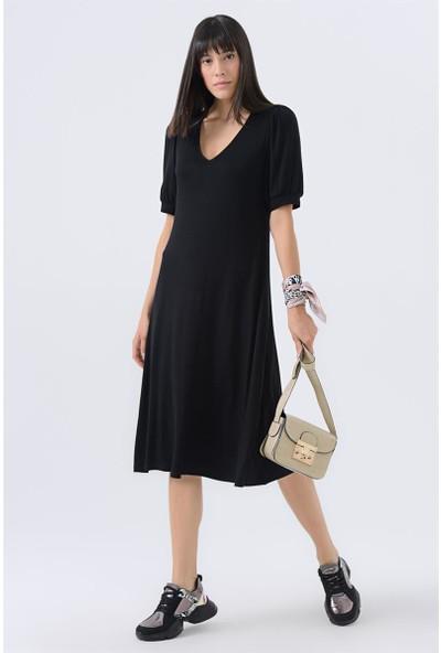 Gusto V Yakalı Penye Elbise - Siyah