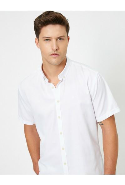 Koton Erkek Yakası Düğmeli Slim Fit Kısa Kollu Gömlek
