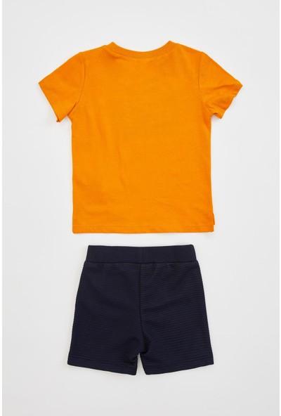 DeFacto Erkek Bebek Hey Sloganlı Şort Tişört Takım R0051A220SM