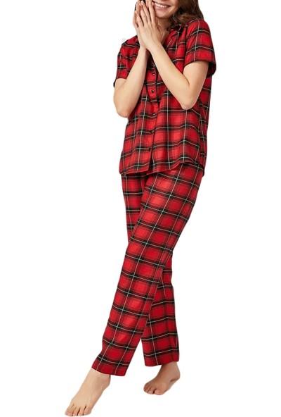 Tampap Kadın Boydan Düğmeli Kısakollu Kare Desenli Kırmızı Pijama