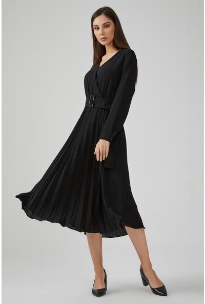 Gusto Anvelop Kesim Pilise Elbise - Siyah