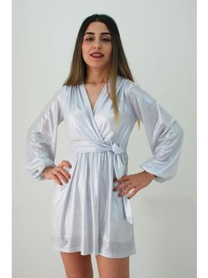 Elifim Moda Tasarım Kruvaze Yaka Parlak Kumaş Gümüş Mini Elbise