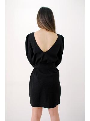 Elifim Moda Tasarım Siyah Simli Sırt Detaylı Kuşaklı Klasik Mini Elbise