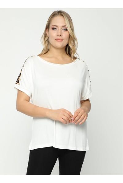 Safir Kadın Büyük Beden Yuvarlak Yaka Omuzu Leopar Taşlı Beyaz Bluz
