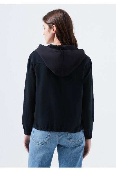 Mavi Kapüşonlu Siyah Gömlek 122638-900