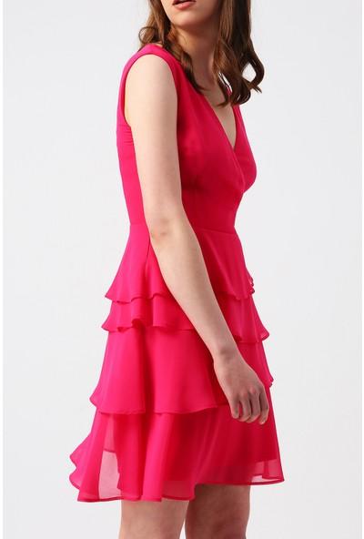 Random Kadın Eteği Kat Kat Fırfırlı Kruvaze Yakalı Kolsuz Mini Elbise