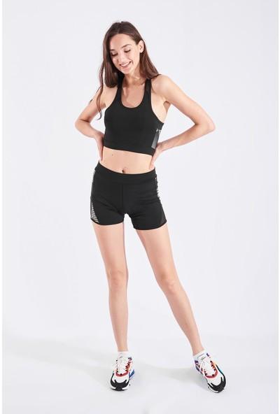 Echerchi Siyah Beyaz Kareli Kadın Büstiyerli Kısa Fitness Takım