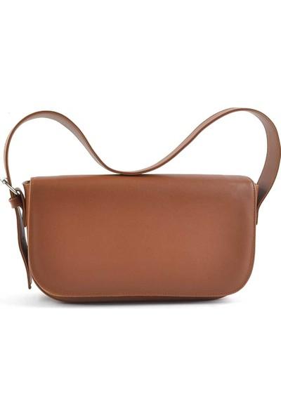 Allure Taba Kapaklı Baget Çanta