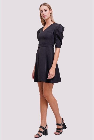 Utopian Slim Fit Kol Detaylı Mini Elbise-Siyah