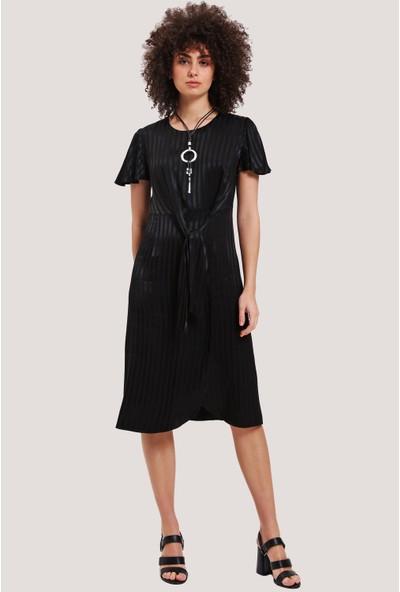Utopian Bağlama Detaylı Kısa Kol Elbise-Siyah
