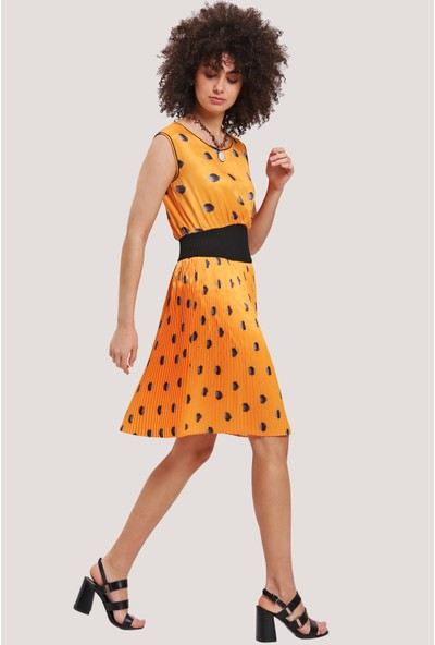 Utopian Kolsuz Beli Elastike Kısa Elbise-Hardal