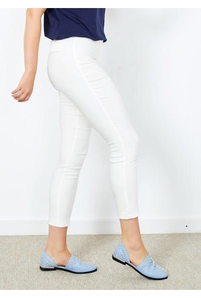 Adze Kadın Ekru Klasik Kesim Dar Paça Pantalon