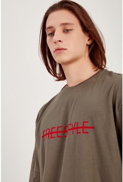 Manche Haki Kirmizi Baskılı Oversize T-Shirt Me20S214835