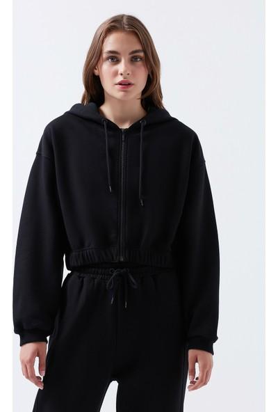 Mavi Kadın Fermuarlı Siyah Sweatshirt 1600429-900