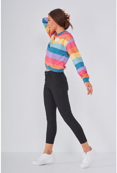 Şimal Renkli Çizgili California Baskılı Kısa Sweatshirt