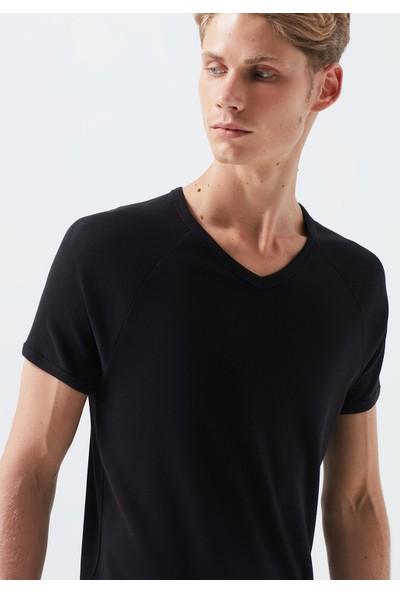 Mavi V Yaka Siyah Basic Tişört 061313-902