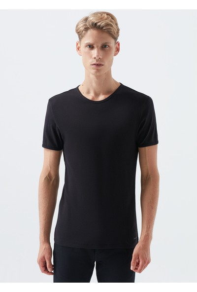 Siyah Basic Tişört 063747-900