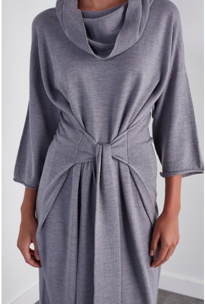 Join Us Arkadan Bağlamalı Dikişsiz Triko Elbise
