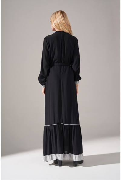 Mizalle Çizgi Fırfır Detaylı Maroken Elbise (Siyah)