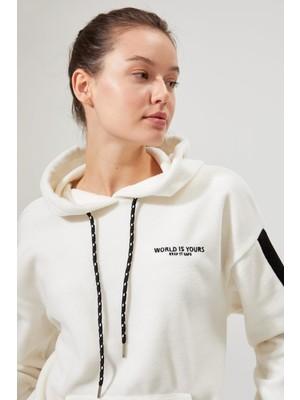 Defacto Şerit Detaylı Polar Sweatshirt S6234AZ20AU
