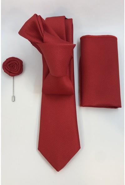 Quesste Erkek Kırmızı Armür Desenli Kravat Mendil Yaka Çiçeği 3'lü Set