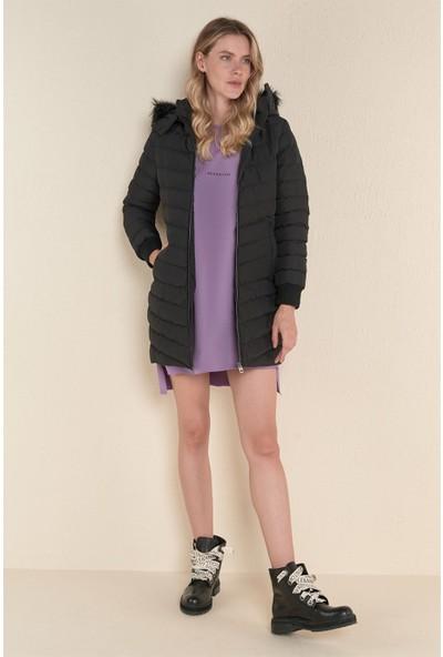 Z Giyim Kadın Siyah Kapşonlu Uzun Şişme Mont