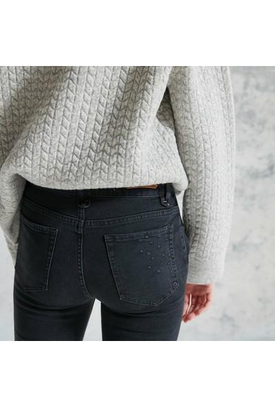 Yargıcı Kadın Nakış Detaylı Pantolon