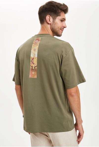 Defacto Erkek Osmanlı Temalı Baskılı Oversize Fit T-Shirt