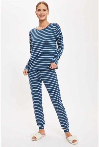 Defacto Kadın Üstü Desenli Altı Basic Pijama Takımı