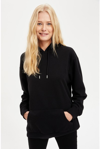 Defacto Kadın Kapüşonlu Regular Fit Basic Sweatshirt