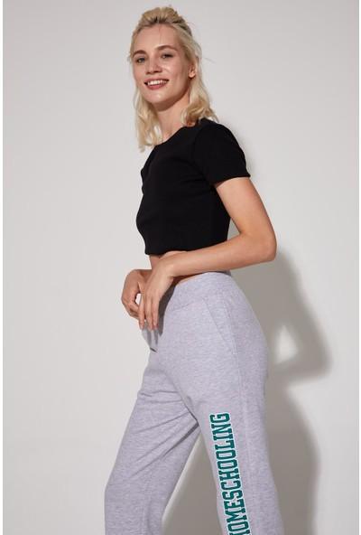 DeFacto Basic Slim Fit Kısa Kollu Crop Tişört T1319AZ20HS